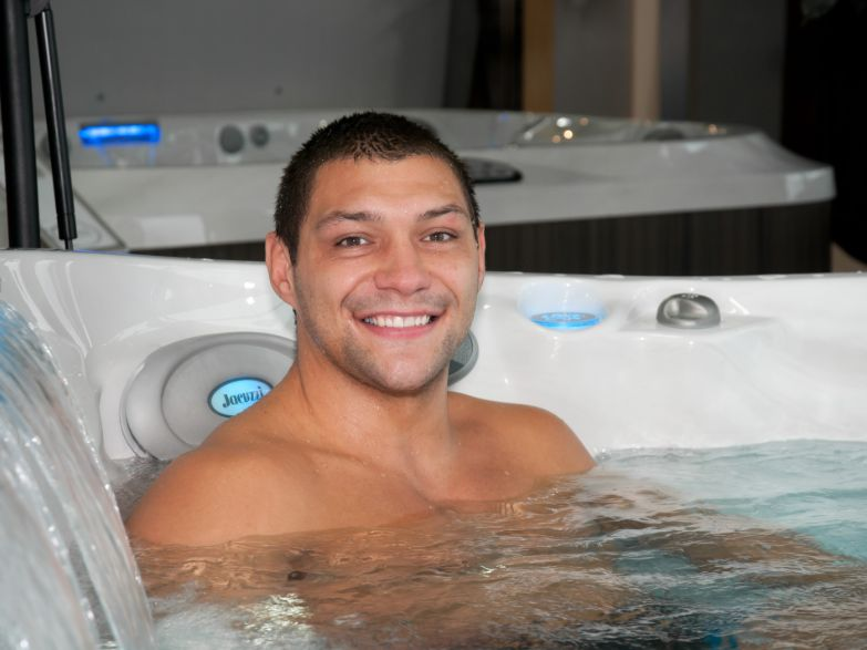 Where can I wet-test Jacuzzi® Hot Tubs?